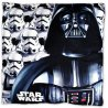 Vankúšik Star Wars - Hviezdne vojnyje vyrobený z príjemného a jemného mikroplyšu. Prednú stranu zdobí obrázok Darth Vadera a imperiálnych Stormtrooperov, zadná strana je čierna. Vankúš Star Wars dodávame vrátane výplne, ktorá je pevne zašitá vnútri. Možno ho prať pri teplote do 40 ° C. Rozmery sú 40 x 40 cm.